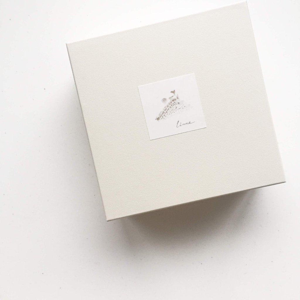 white_box_image